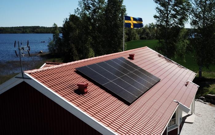 Tak med solpaneler